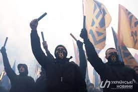 Во Львове националисты ворвались в здание горсовета и устроили там драку