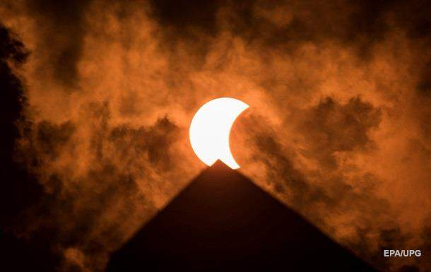 Впервые за 43 года в мире наблюдали частичное солнечное затмение