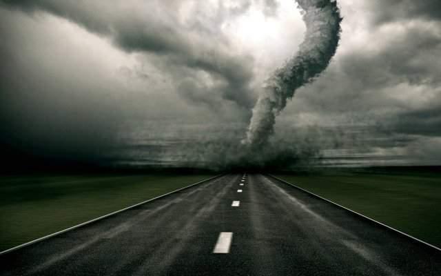 Ураган в Одесской области вынудил автомобилистов остановиться