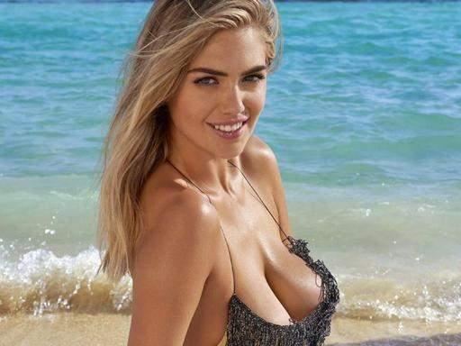 Самой желанной девушкой в мире стала модель с неидеальными пропорциями