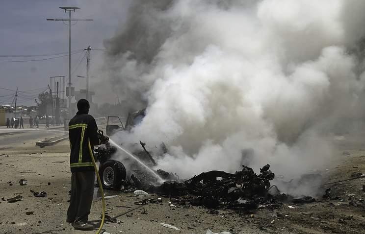 В столице Сомали вблизи президентского дворца взорвался автомобиль