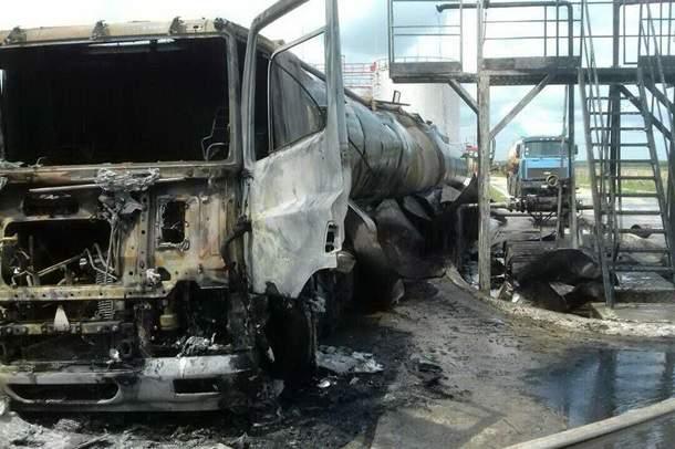 На предприятии в Харьковской области загорелась цистерна, один человек погиб (фото)
