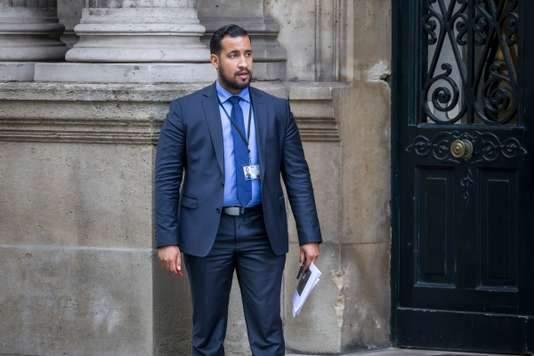 СМИ: Советник Макрона избил демонстранта в Париже