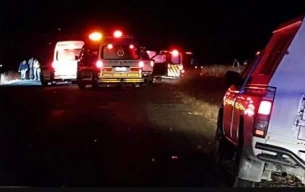 В ЮАР неизвестные расстреляли таксистов, одиннадцать человек погибли, еще четверо пострадали