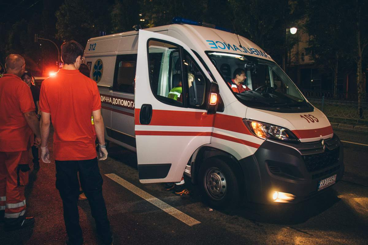 Трагическое ДТП в Киеве: водитель Hummer сбил насмерть восьмилетнюю девочку (видео)