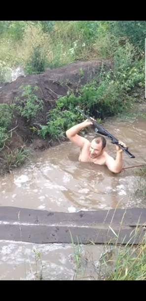 На Донбассе затопило окопы военных (фото)