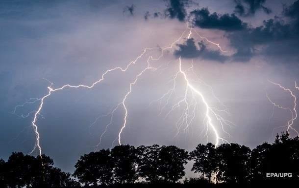 В Запорожской области произошло три случая поражения людей молнией