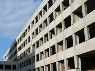 На Харьковщине школьница выпала с 7-го этажа