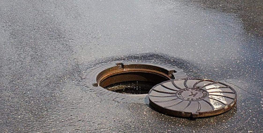 В Волынской области за ночь пропало более 10 канализационных люков