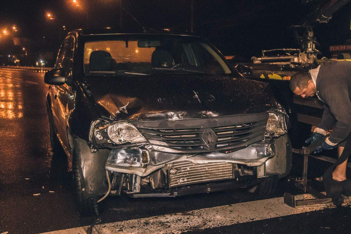 Тройное ДТП по причине пьяного водителя произошло в Киеве (видео)