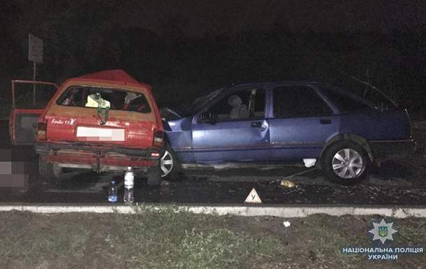 В Запорожье в результате ночного ДТП погибли  два человека,  еще пять были травмированы