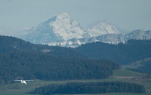 В швейцарских Альпах в результате падения  самолета погибли четыре человека