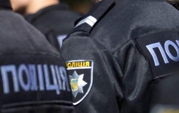 На Закарпатье группа пьяных мужчин напала на полицейских, пытавшихся их задержать