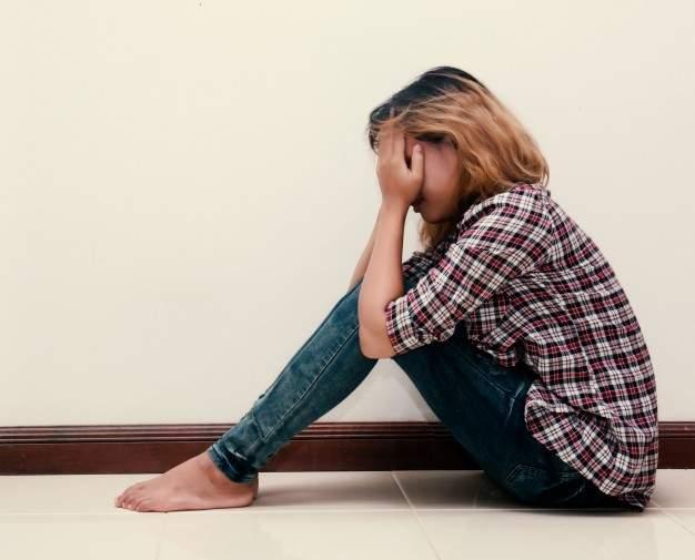 В Николаеве 15-летнюю привселюдно изнасиловали трое парней