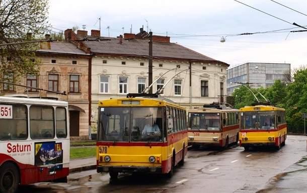 Во Львове из-за непогоды парализовано движение электротранспорта