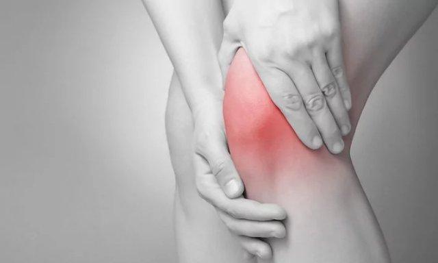 Боли в суставах ног и рук: лечение