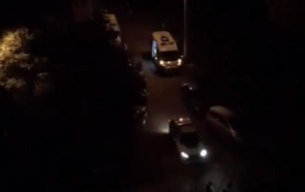 В Черновцах девушка выбросилась из окна многоэтажки