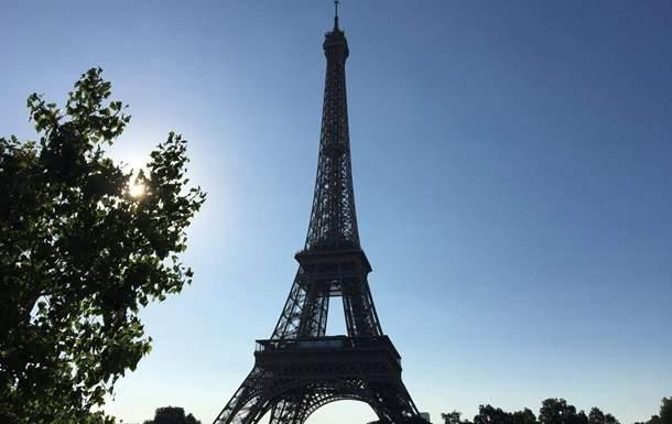 В Париже из-за протеста сотрудников закрыли для посещений Эйфелеву башню
