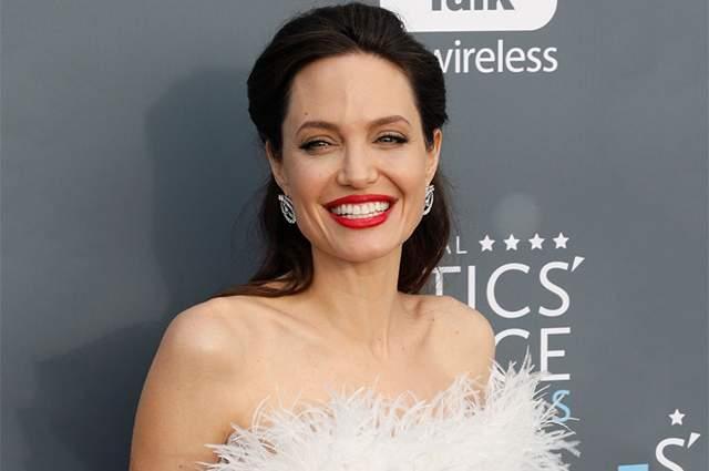Анджелина Джоли планирует завести седьмого ребенка