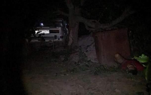 На Херсонщине пьяный за рулем автомобиля военный сбил супружескую пару (фото)