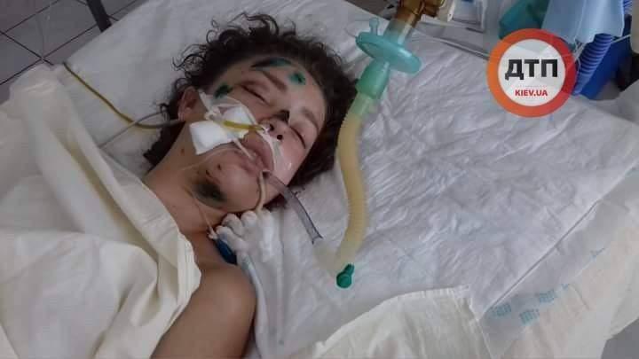 Столичная полиция просит помощи в опознании девушки, пострадавшей в жутком ДТП (фото)