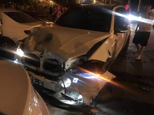 В Одессе произошло ДТП с участием шести авто. Есть пострадавшие