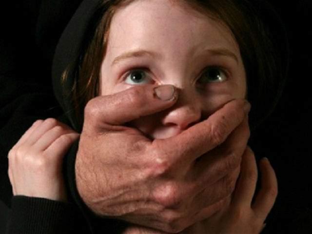 Пожилой одессит регулярно насиловал свою 4-летнюю внучку