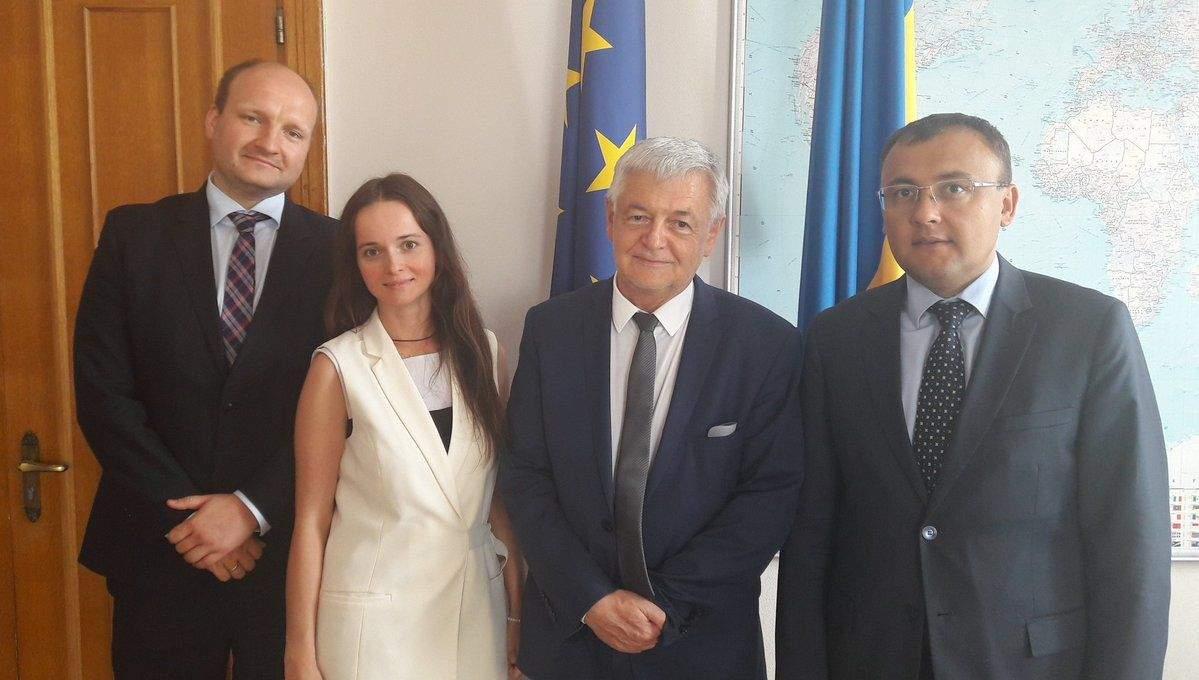 За председателя Украинского общества, который оскорбил поляков, вступился МИД Украины