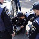 В Одессе полиция в штатском устроила самосуд над АТОшником за то, что тот фотографировал автомобиль Порше начальника полиции