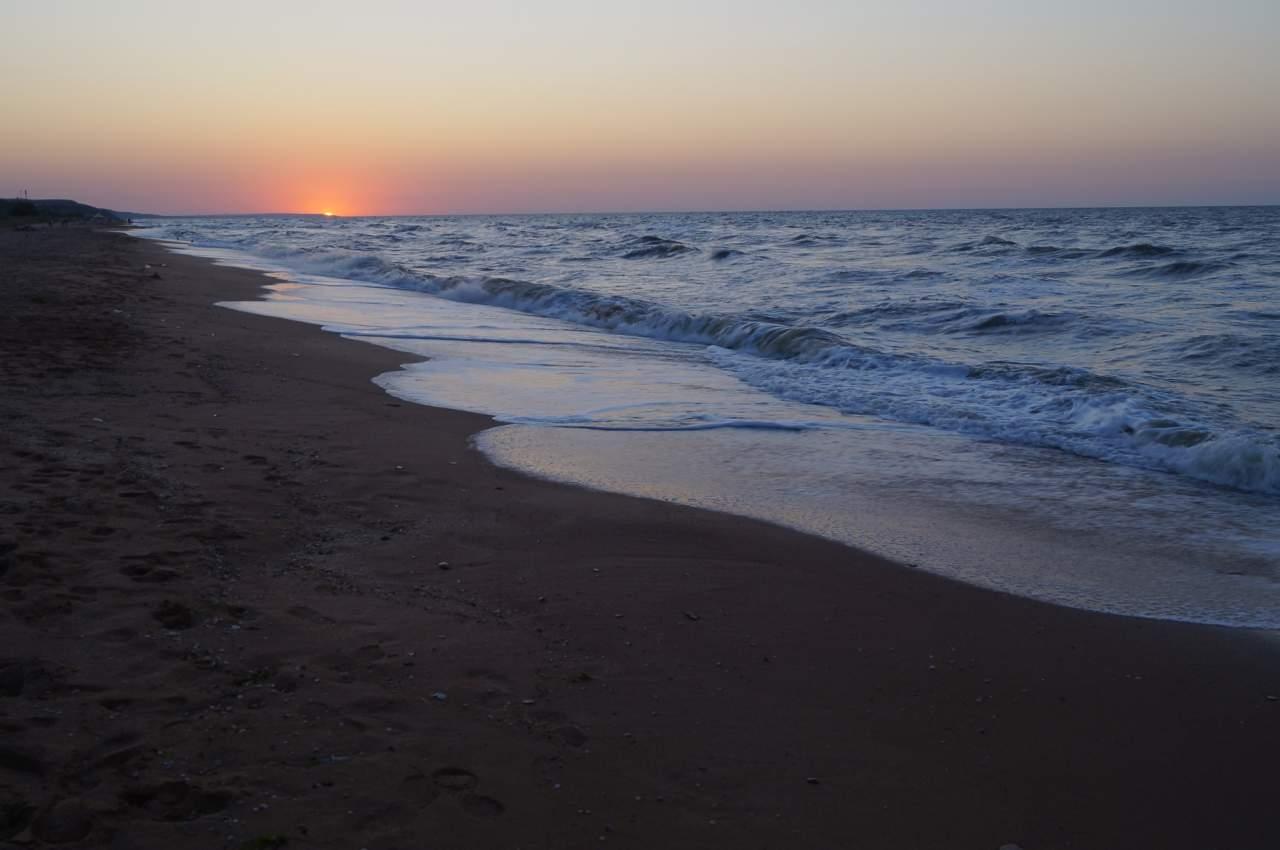 В результате шторма в Азовском море погибло несколько человек