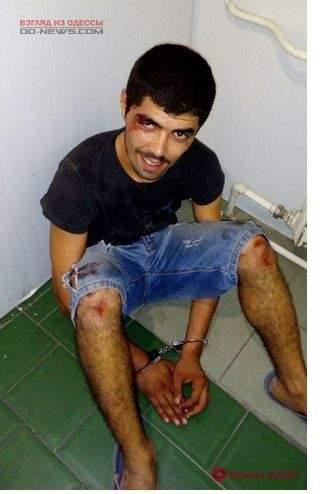 Одесситов напугал пьяный иностранец, который кидался на прохожих