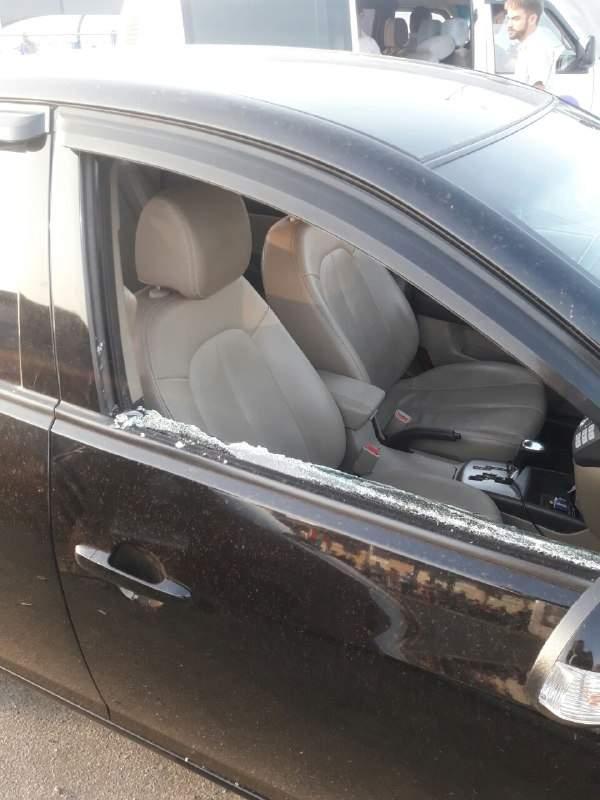 В столице титушки с ломами крушили машины вдоль дороги