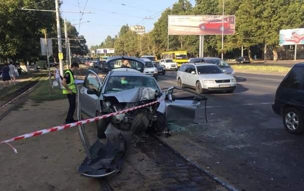 В результате жуткой аварии в Одессе погиб человек