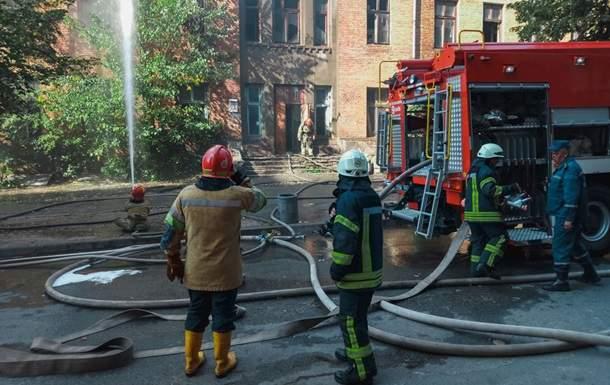 В столице произошел серьёзный пожар в здании типографии