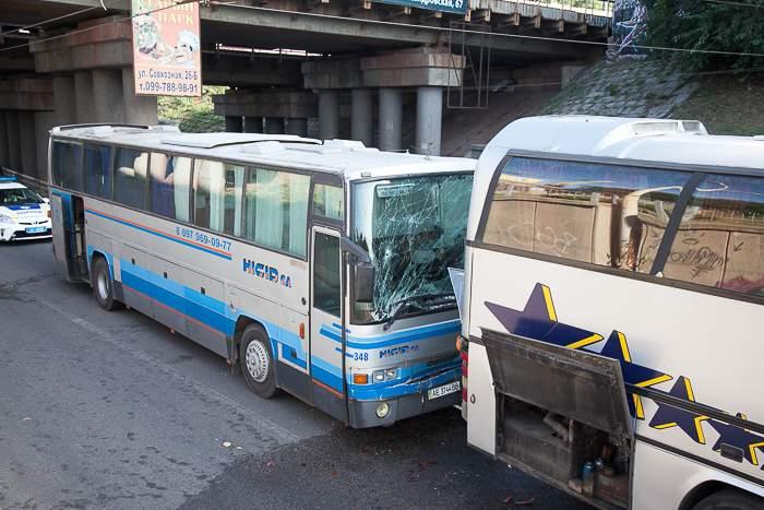 В Запорожье произошла авария с участием автобусов, в которых ехали дети