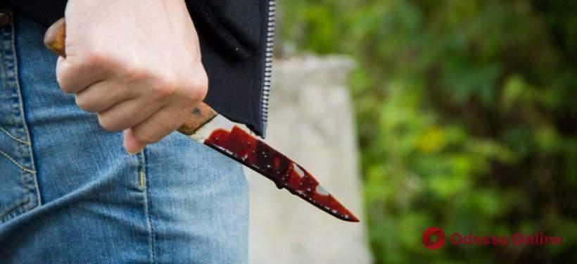В подземном переходе неизвестный с ножом напал на одессита