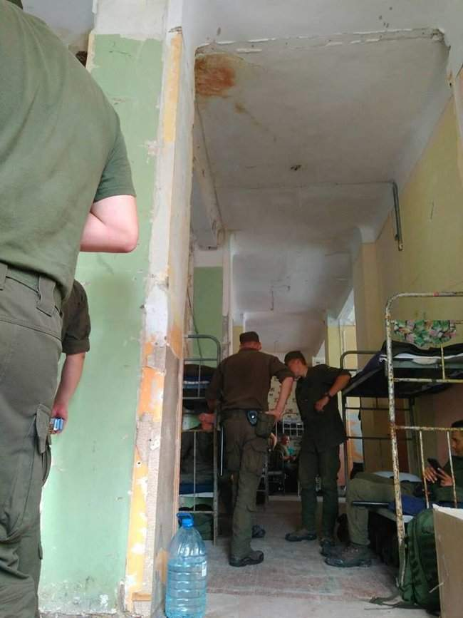 Украинцы шокированы условиями проживания бойцов Нацгвардии