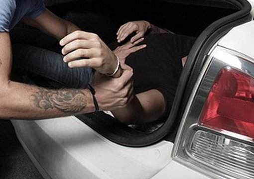 """План """"Перехват"""" в столице: Неизвестные похитили человека"""