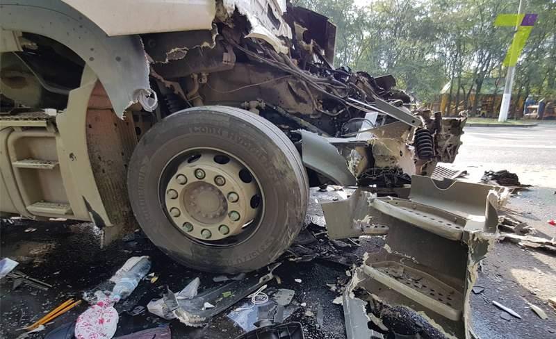 В Одессе в результате столкновения нескольких грузовиков погиб человек