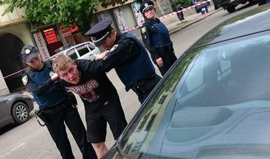 На Волыне пьяный мужчина наехал на полицейского