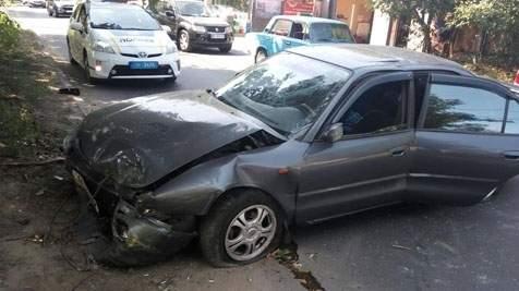 В Одессе произошло тройное ДТП с двумя пострадавшими