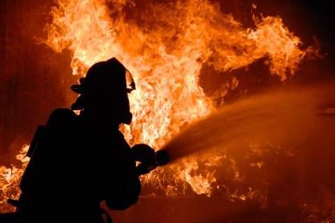 В результате пожара на нефтеперерабатывающем заводе в Германии пострадали 8 человек