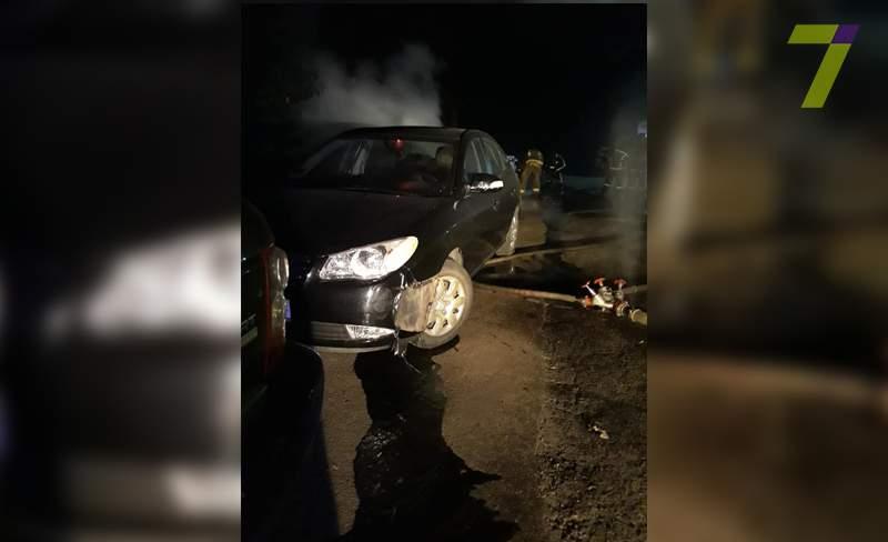 В Одессе вспыхнули несколько припаркованных авто