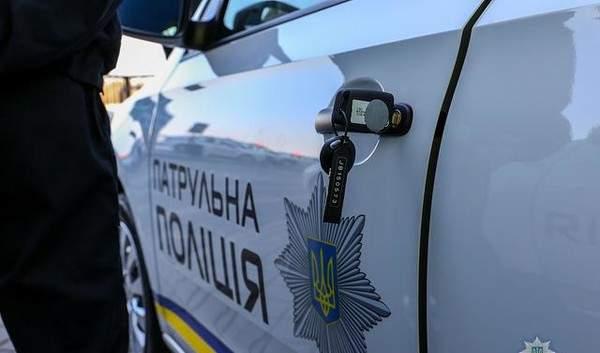 На Харьковщине неизвестные в масках избивают местных жителей