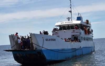 Из-за перегрузки в Танзании перевернулся паром. Много погибших