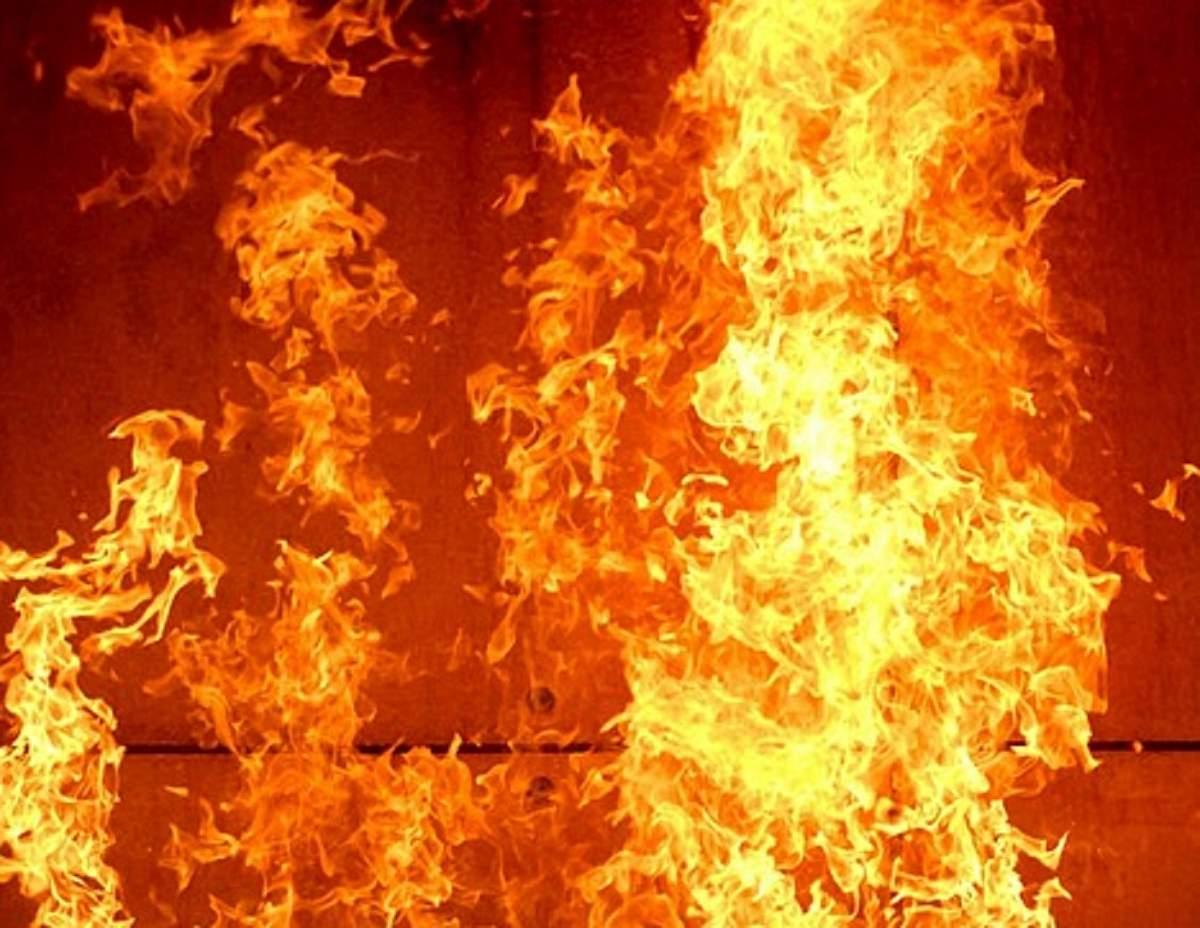 Масштабный пожар в Днепре: Горело предприятие (Видео)