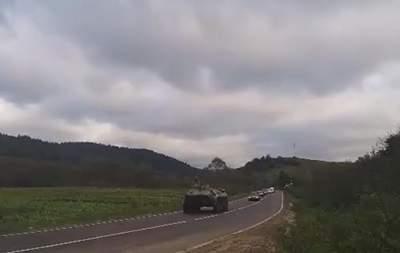 На Закарпатье направляется колонна военной техники