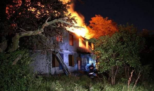 Масштабный пожар в Одессе: Неизвестные подожгли санаторий