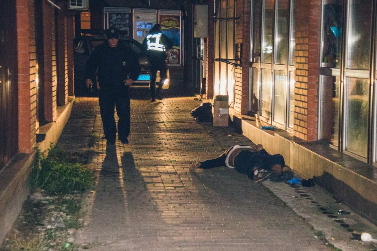 В столице посреди улицы был обнаружен труп человека