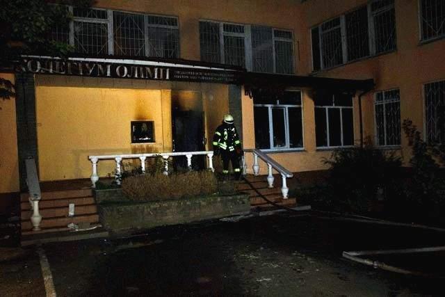 В столице пылало здание ГИС Оболонского района